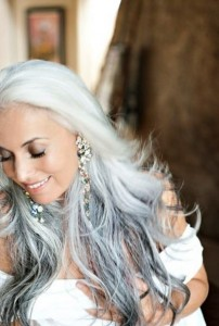 beautiful long gray hairstyle