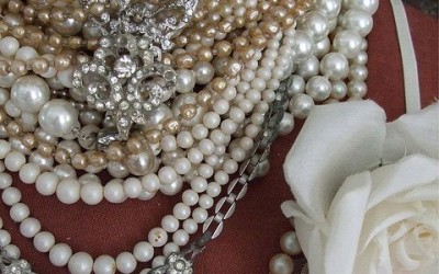 chunky pearl necklace trend