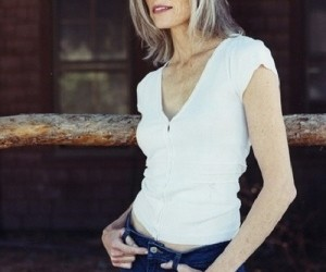 white top with jeans a great look